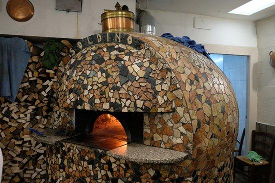 Ristorante Pizzeria Dal Soldino: Il forno a legna