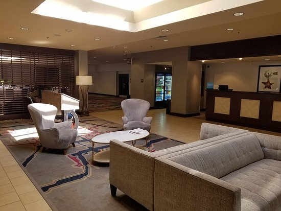 DoubleTree DFW Airport North: Lobby