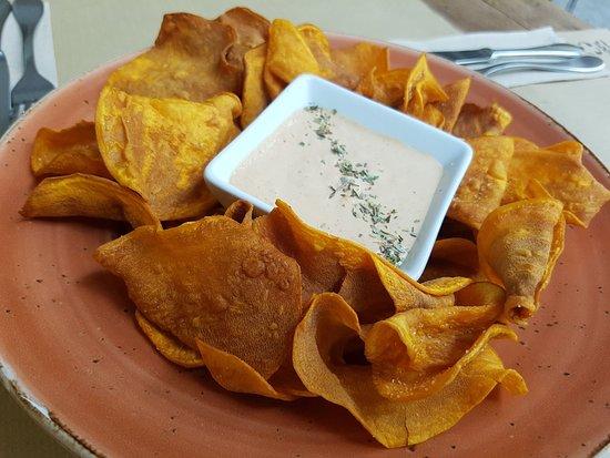 El Huerto de Lucas : Chips de boniato con su salsita secreta. Nuestra propuesta más original y sabrosa
