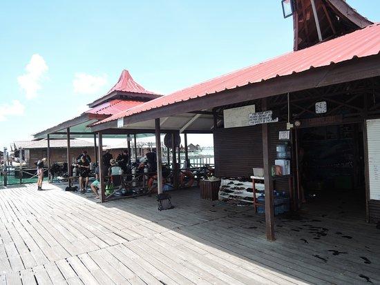 Scuba Junkie Mabul Beach Resort: The Dive/Snorkel meeting point