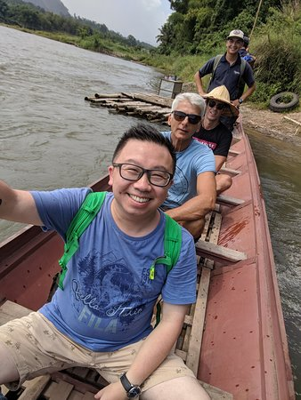 MandaLao Elephant Conservation : Boat ride across the river..