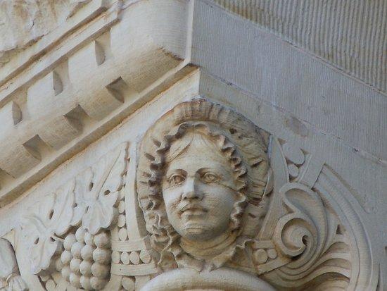 Gare de Metz-Ville: Sculptures