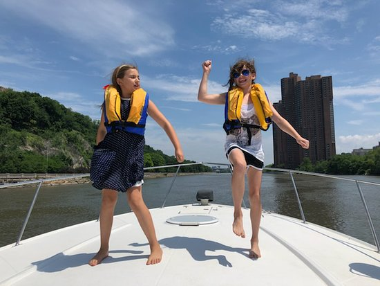 Full Day Private Yacht Charter Around New York: Dance party on the bow!