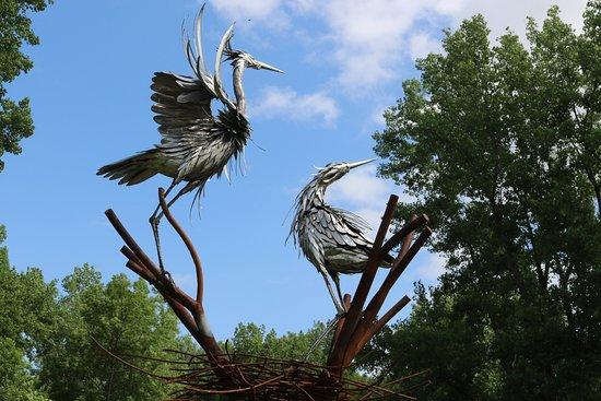 Seneca Falls, Νέα Υόρκη: Statue at the beginning of the walking trail