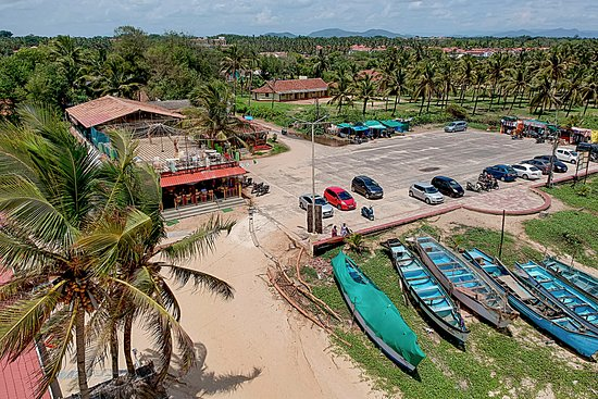 Benaulim, India: Drone view of car park and restaurant area.