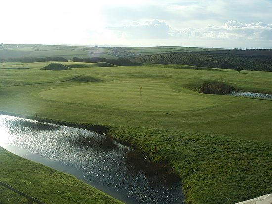 Merlin Golf and Country Club: Course