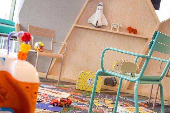 ibis styles paris charles de gaulle airport hotel roissy en france voir les tarifs et 843 avis. Black Bedroom Furniture Sets. Home Design Ideas