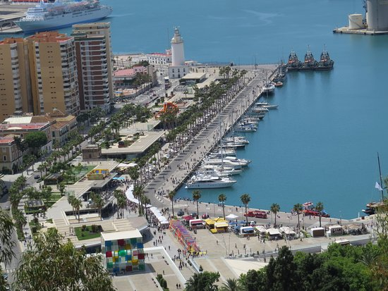 Playa de La Malagueta: Vista de Málaga!