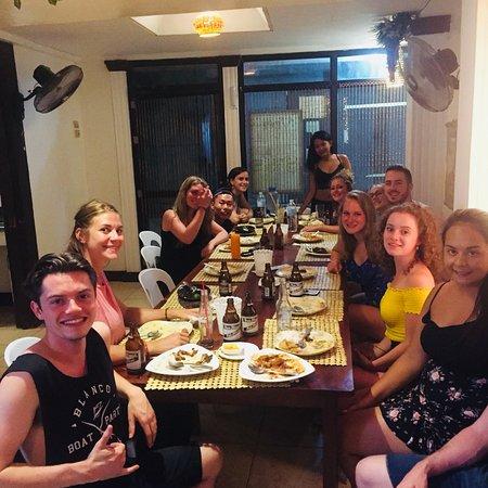 Ven'z Kitchen: Big group for birthday celebration