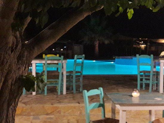 Vartholomio, Greece: Glyfa beach