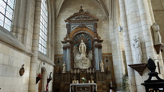 Abbatiale Saint-Pierre de Corbie照片