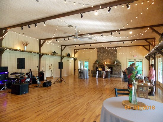Candler, North Carolina: The Barn for Events