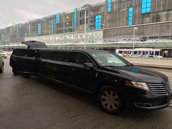 Larry's Private Car and Limo Service: Great ride