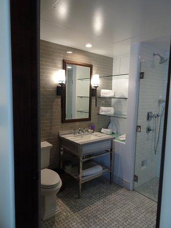 Plaza La Reina: Bathroom