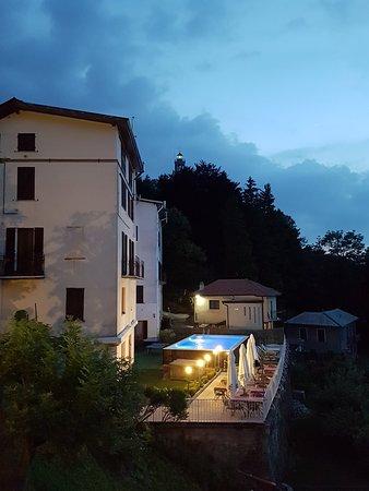 Brunate, Italie : 20180603_214247_large.jpg