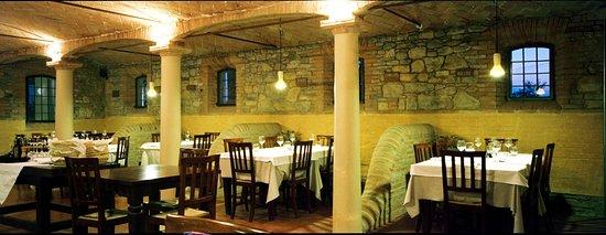Canali, Italia: ristorante