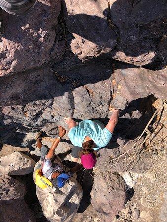 Loreto Guide with Said Orozco: Scrambling down the rocks