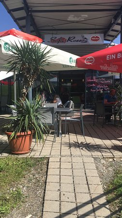 Café Sofa Rosso: Eingang zur Terrasse
