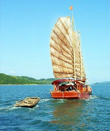 Sails of Indochina: Classic Sails Charter