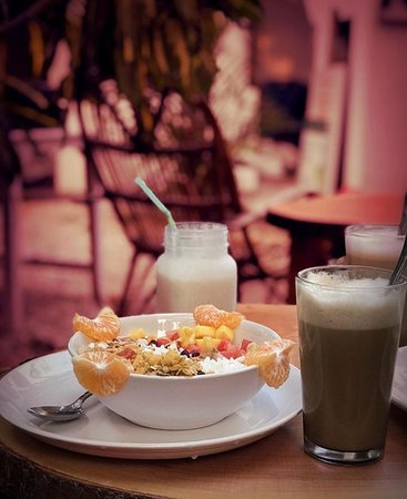 Mad about Coco: Breakfast