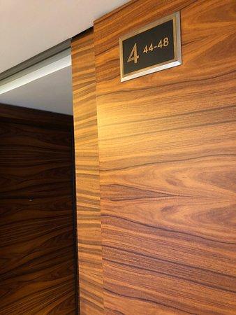 Las Alcobas: 4th floor, lots of wood