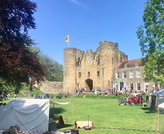 Tonbridge Castle: Castle Grds