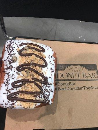 Donut Bar : Big Poppa Smore