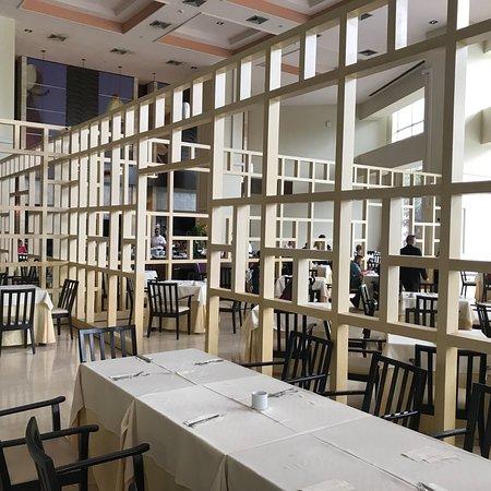 Hesperia WTC Valencia: La hora del desayuno es la mejor parte de nuestra estadía en el Hesperia WTC.  ¡Gracias por ta