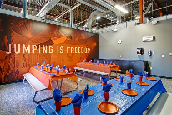 Sky Zone : Elevate the way you celebrate with 1 of 4 of our party rooms.