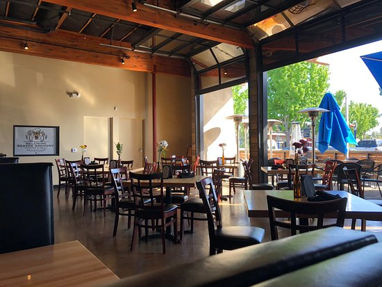 The Belching Beaver Brewery Tavern and Grill : Large garage doors open for indoor/outdoor feeling.