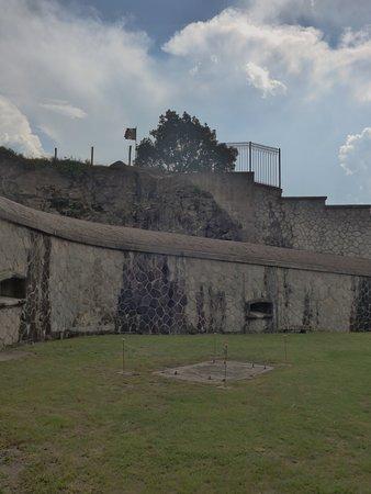 Forte Montecchio Nord : l'interno