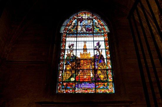 มหาวิหารเซวิลล์: кафедрал, витраж