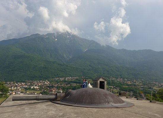 Forte Montecchio Nord : verso il Legnone