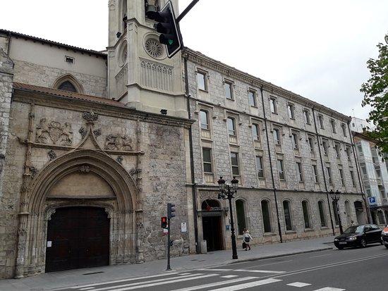 NH Collection Palacio de Burgos: Fachada