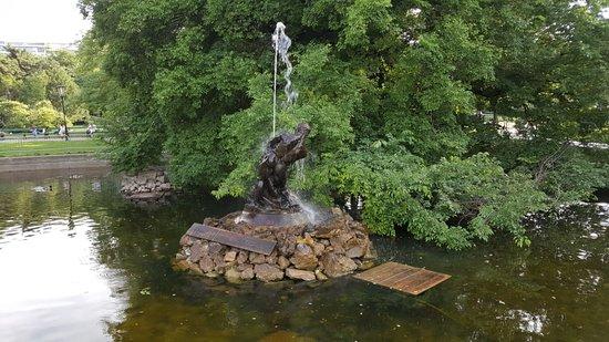 Herkules Brunnen