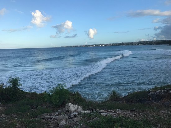 Ride The Tide Surf School: Surfing spot Freight's Bay in Barbados, Ride The Tied Surf School