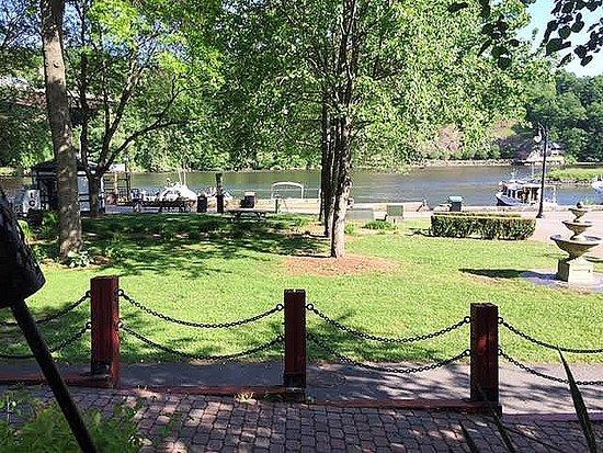 Kingston, NY: River Views