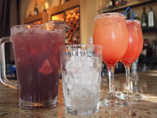 Marcello Pizzeria: Sangria in the summers