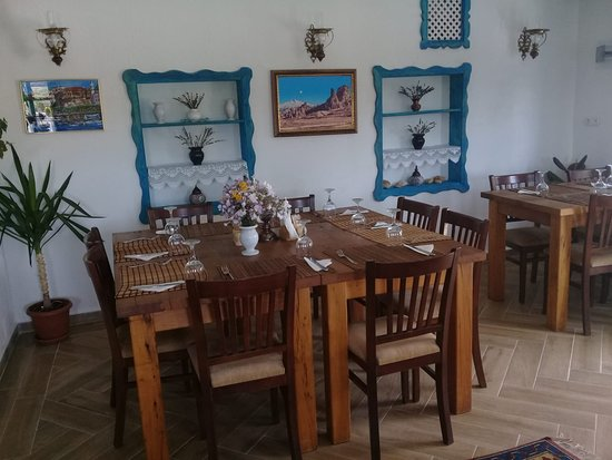 Centre Restaurant : Center Cafe & Restaurant