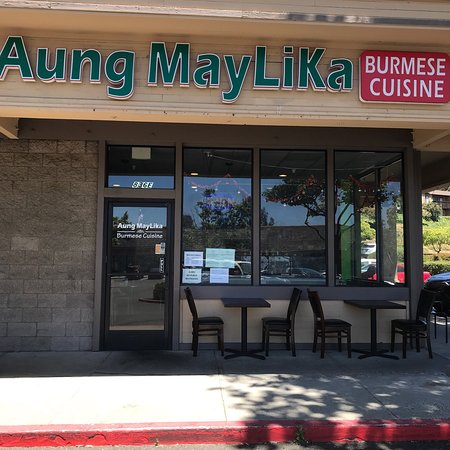 Aung MayLiKa: Great new place for a change.  Vegetarian, Vegan and Gluten free options. Go as spicy as you wan