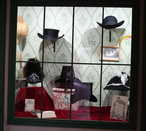 Grand Portage National Monument: hats