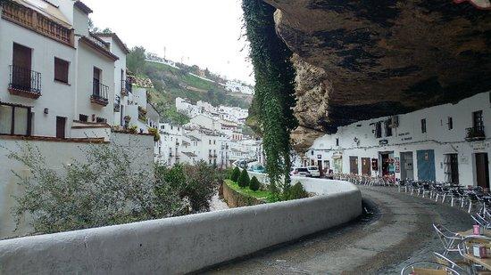 Setenil de las Bodegas, Spagna: Cuevas del sol
