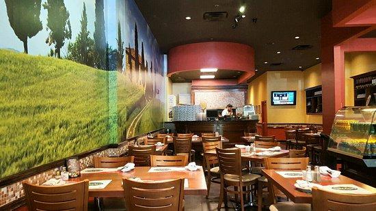 Medley, FL: Dining room