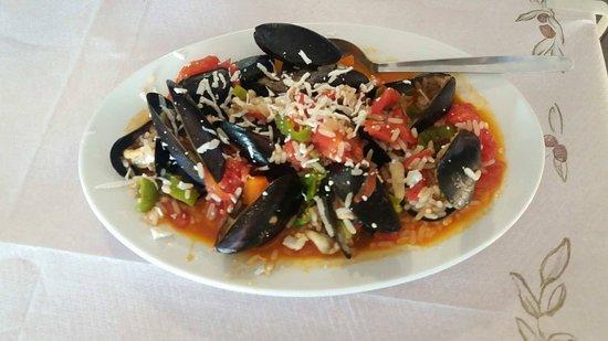ZORBAS Restaurant - Cafe Photo