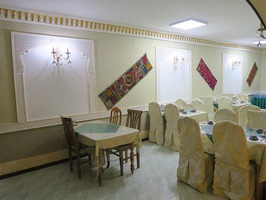 Grand Nodirbek Hotel: Ресторан