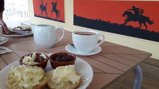 Red Rocks Cafe : Cream Tea