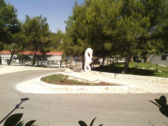 Gava Waterman Milna Resort: À proximité du restaurant
