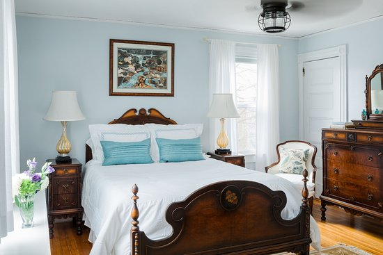 East Bay Bed & Breakfast: East Ferry Room