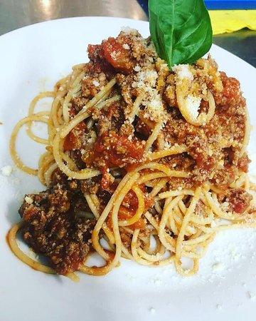 Pane E Pomodoro: spaghetti bolognese