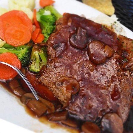 Mo's Irish Pub: Mo's Meatloaf